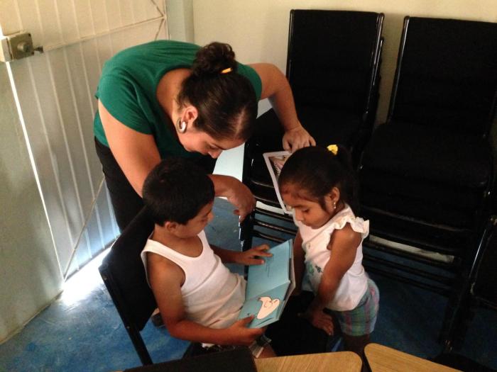Promover la lectura con un voluntariado de buen corazón o la precarización de la mediaciónlectora